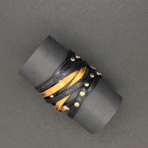 Nehebkau arany-fekete